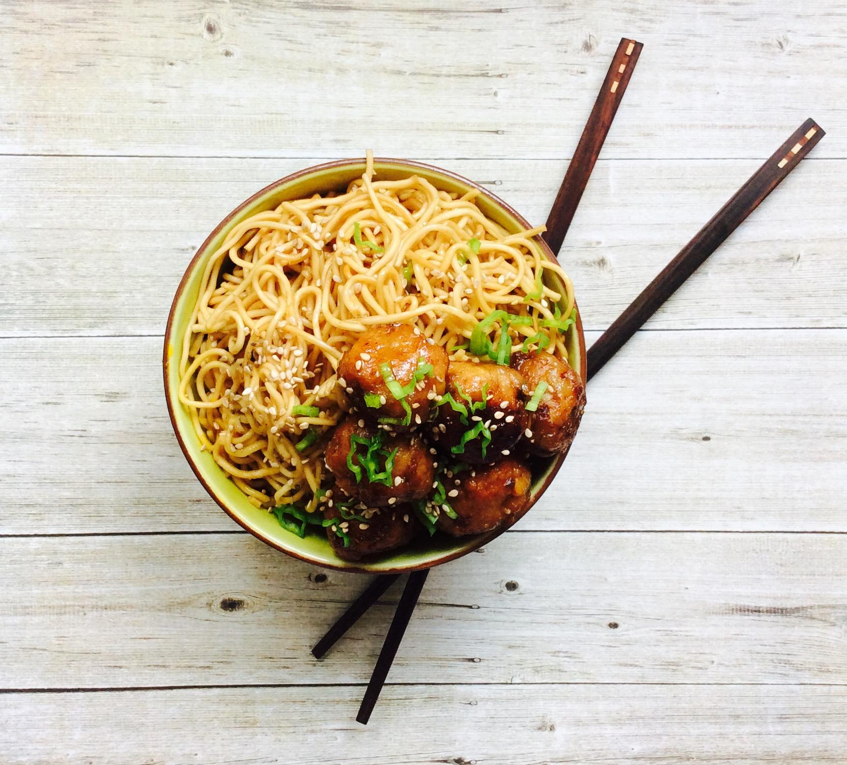 receta-fideos-con-albondigas-thai-ido