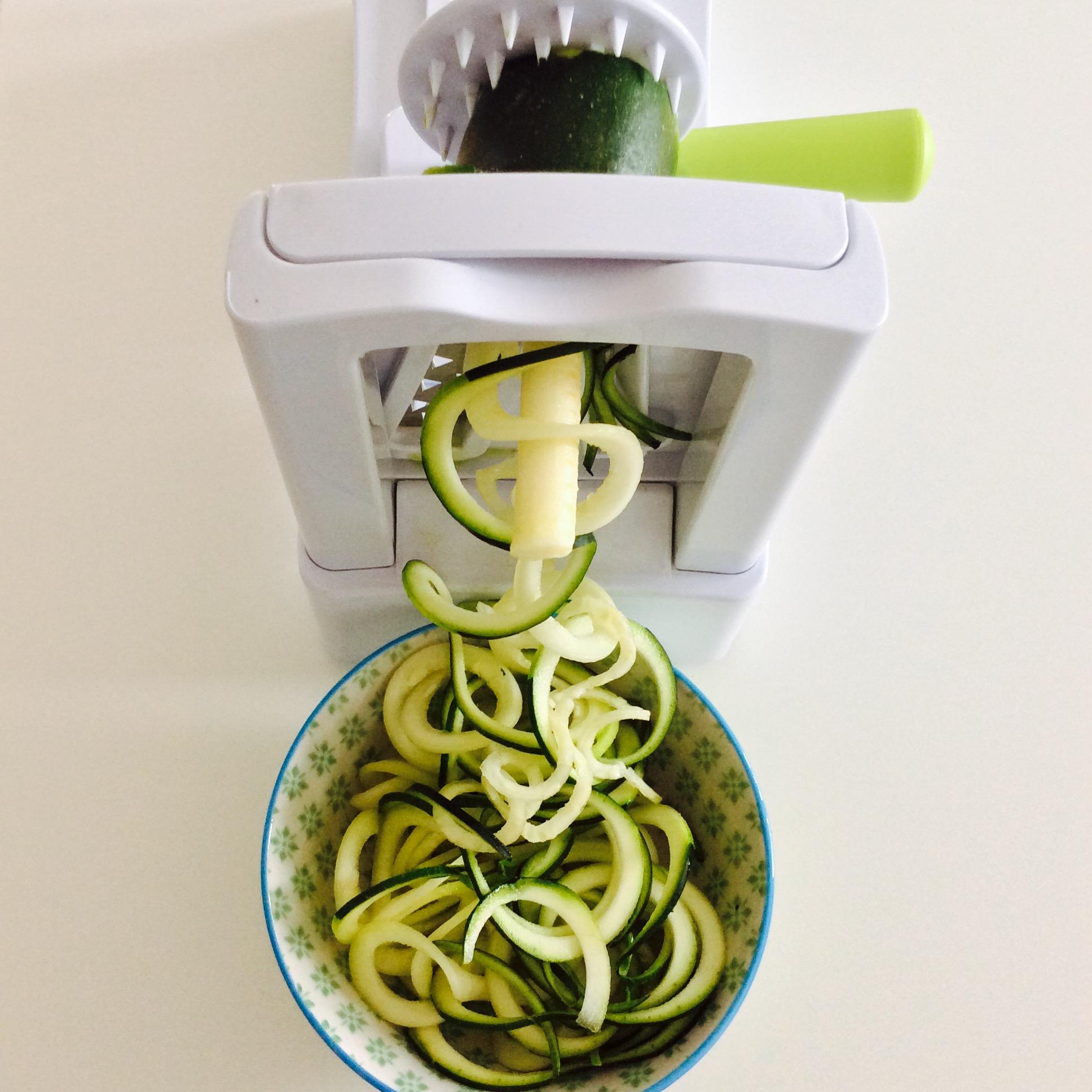 receta-espaguetis-de-calabacin-con-pesto-rojo